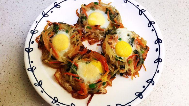 时蔬鹌鹑蛋早餐饼,时蔬鹌鹑蛋早餐饼出锅了