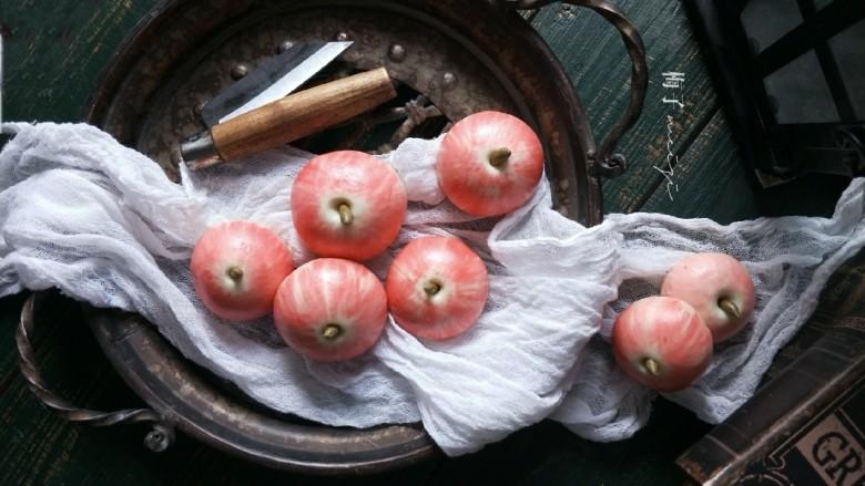 苹果豆沙包,拍张美照。(为什么拍照是七个,当天我做了两次)