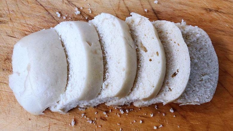 香煎馒头片,馒头切成1.5厘米厚的片状
