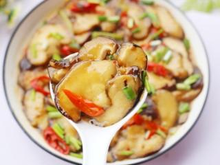 拿肉都不换的素炒香菇,低脂低卡,百吃不厌。