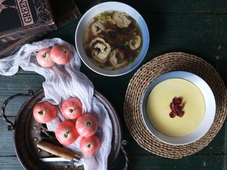 <a href=http://www.7349666.com/shicai/guopin/15776.html target=_blank><u>蔓越莓</u></a>牛奶蒸蛋,可以放在早餐中食用。
