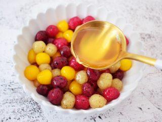 自制水果珍珠,加入蜂蜜