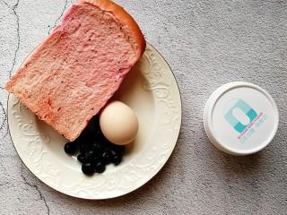 爆浆酸奶蓝莓西多士,准备好所需的食材