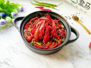 青花椒辣卤小龙虾,根本就不够吃。