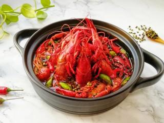 青花椒辣卤小龙虾,估计没有人能抵挡得住。