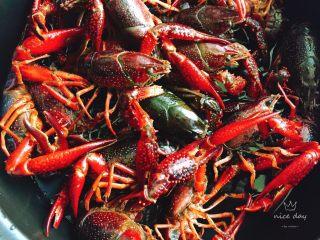 辣卤小龙虾,全部弄好,自己洗的比较干净,放心吃哈