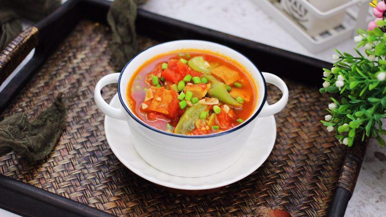 番茄香干烩丝瓜,米饭的绝对杀手,而且颜值担当。