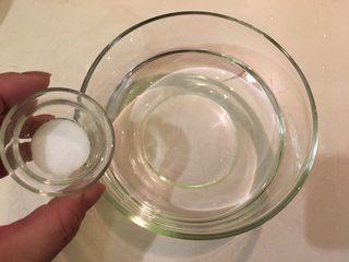 梅子蒸沙丁鱼,3杯水+3t盐泡开