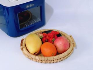 自制零添加水果干,准备食材及水果。