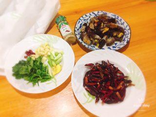 椒盐小龙虾(非油炸版),食材准备好