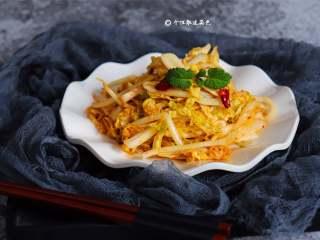 凉拌娃娃菜,清热润肺、健脾消食的清凉小菜。
