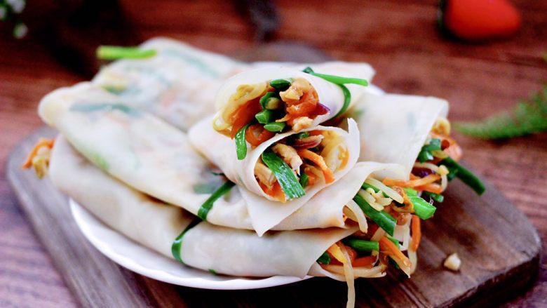 三丝春卷~饺子皮版,好吃到哭,嘻嘻,我一口气吃了4个。