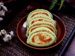 鹅蛋韭菜翠玉盒子,鲜美无比又营养丰富的韭菜盒子出锅咯。