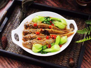 酱焖红蟹鱼青菜