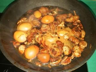 猪脚姜,煮好可以放很多天,越入味越好吃,特别补哦