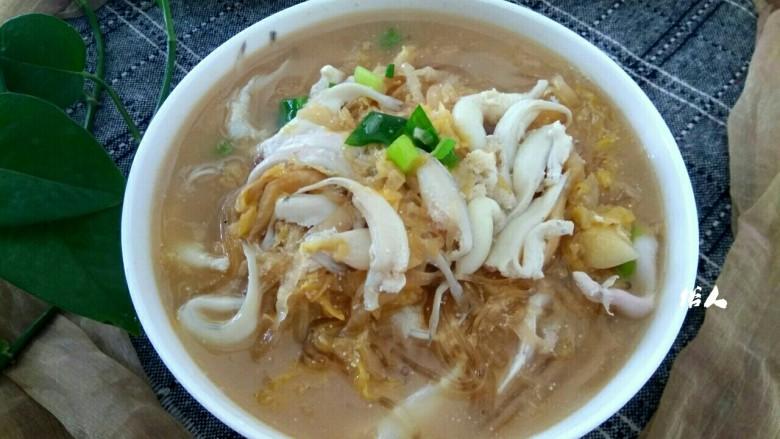 银鱼酸菜粉丝汤