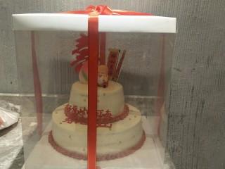 贺寿双层蛋糕(10+6寸),包装一下就完成了。