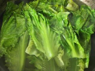 蚝油生菜,生菜变色即可马上出锅