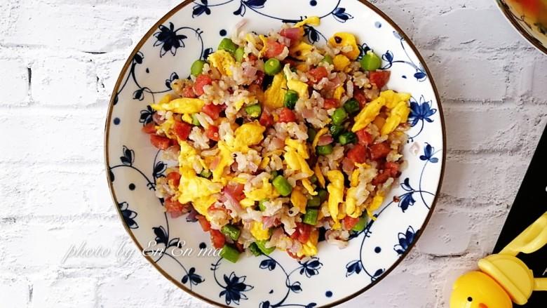 营养又美味的芦笋蛋炒饭,好吃的炒饭!