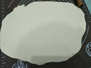 花生酱卷,将面团撠成方型