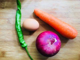 鸡蛋新吃法杂蔬蛋丝,准备所需食材
