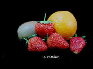 自制水果茶,洗好的水果淋干水份