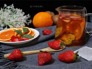 自制水果茶,还是挺简单,疲劳的时候来杯温热的果茶,来温暖你的心吧