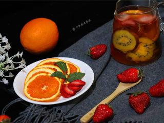 自制水果茶,水分已经烘干,放在密封罐里能保存很久,