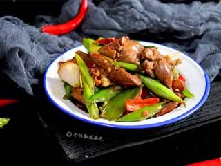 辣椒炒鸡肝