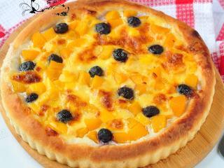 黄桃芝士披萨,成品。