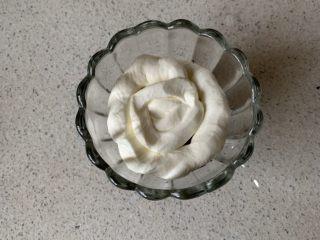 奥利奥木糠杯,再挤一圈淡奶油