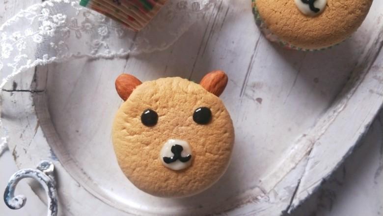 小熊纸杯蛋糕