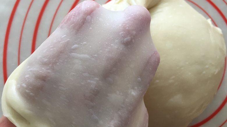蜂蜜小面包,揉出手套膜。