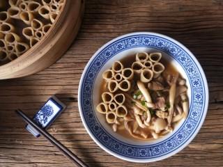 莜面窝窝(莜面栲栳栳),山西传统面食