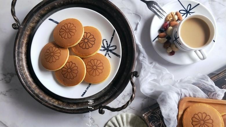 铜锣烧(印花版),可以做早餐,也可以当下午茶甜点。超高颜值,又很好吃。