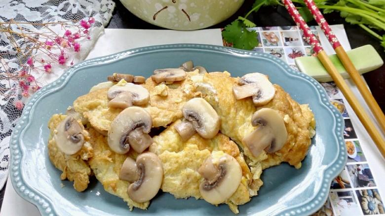 嫩笋煎蛋,拍上成品图,一道鲜美的嫩笋煎蛋就完成了。