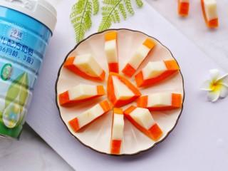 木瓜奶冻,香甜的木瓜奶冻做好,开吃。