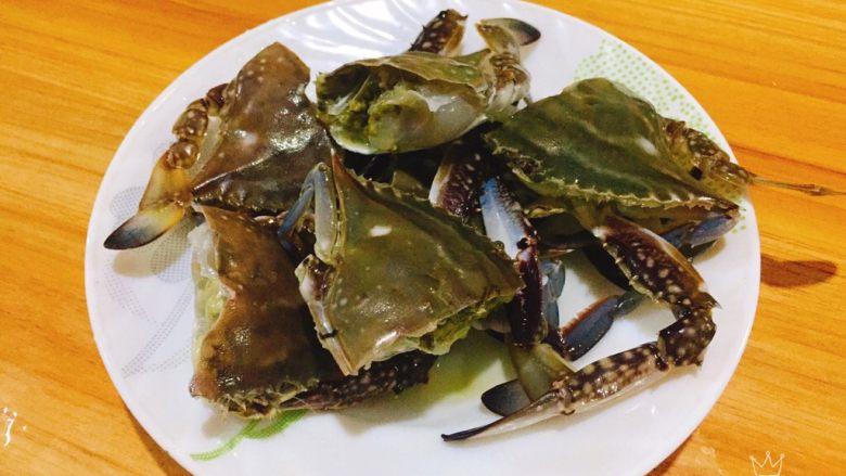 螃蟹白菜汤,切块备用。