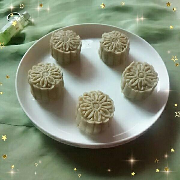 金陵茶点一蚕豆糕,香味清幽的蚕豆糕。