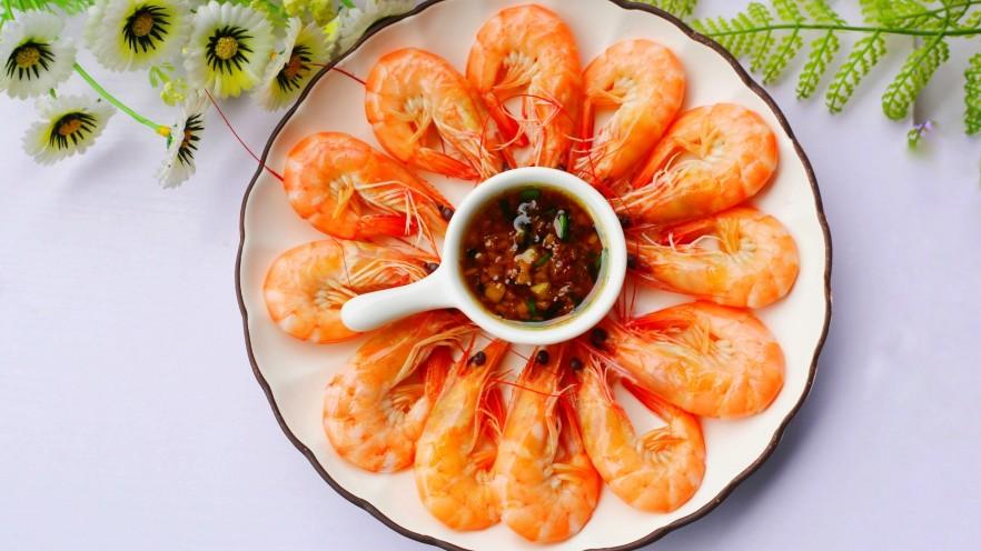 鲜嫩无比的白灼虾