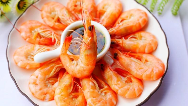鲜嫩无比的白灼虾,相当好吃。