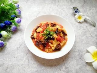 西红柿木耳炒鸡蛋,成品。