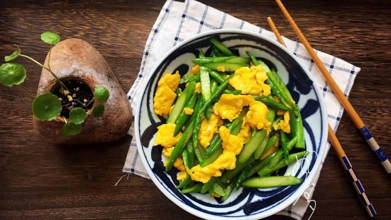 芦笋炒鸭蛋