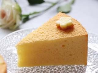 8寸戚风蛋糕,裸蛋糕也要装饰美美的,来制作吧。