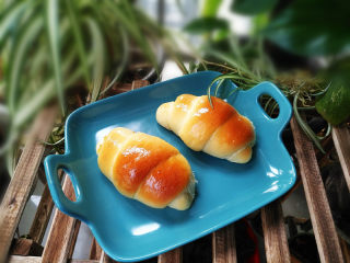 菠萝酱面包卷
