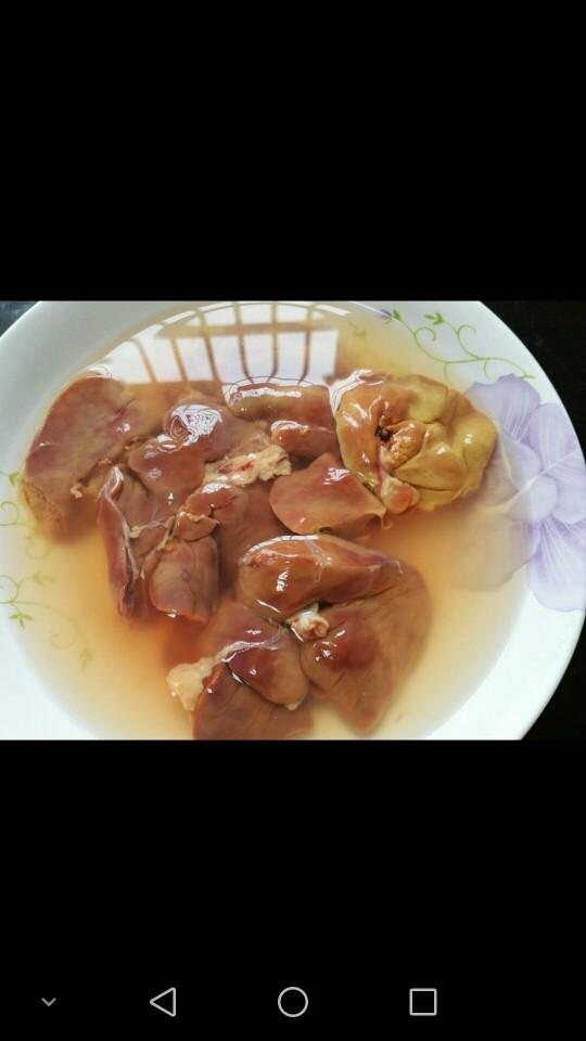 韭菜炒鸡肝,鸡肝泡水泡出血水