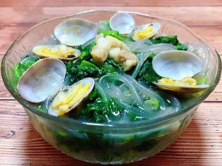 小白菜蚬子汤,这道汤菜不但营养丰富颜值也是相当不错噢