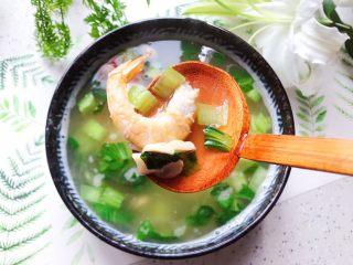 青菜口蘑虾干汤,成品图