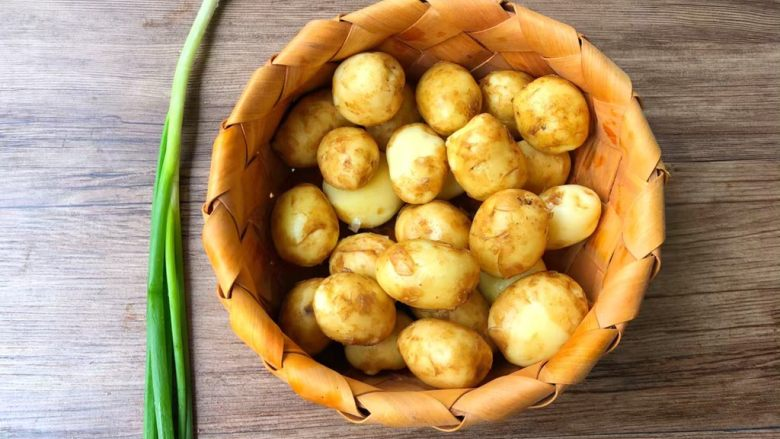 孜然小土豆,食材合影