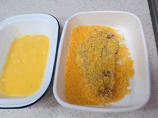 好吃不油腻的~~【无油烤鸡排】,然后放面包糠盆里,正反两面粘上面包糠